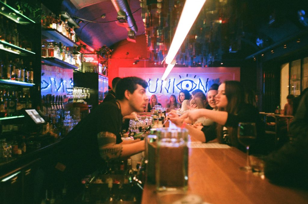 what to order at a bar for beginners